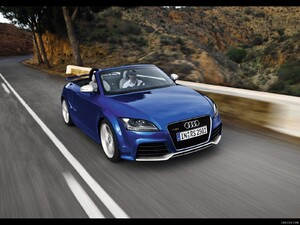 2010 Audi TT RS Roadster - Front Right Quarter View Photo - Picture # 11