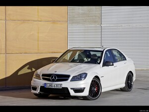 Mercedes-Benz C63 AMG (2012)  - Front Angle  - Picture # 11