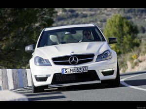 Mercedes-Benz C63 AMG (2012)  - Front Angle  - Picture # 2