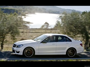 Mercedes-Benz C63 AMG (2012)  - Side - Picture # 3