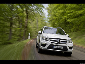 2013 Mercedes-Benz GL63 AMG  - Front - Picture # 2
