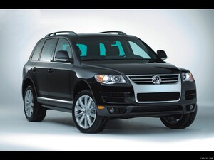 2010 Volkswagen Touareg Lux Limited