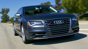 2013 Audi S8 US-Version