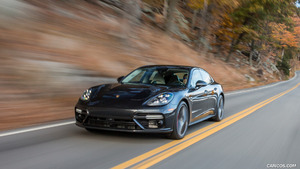 2017 Porsche Panamera Turbo (US-Spec)
