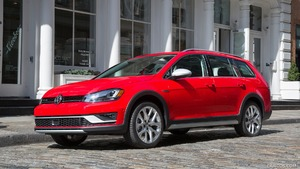 2017 Volkswagen Golf Alltrack (US-Spec)