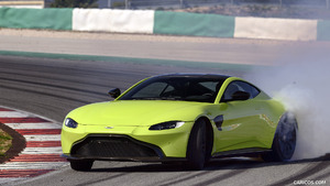 2019 Aston Martin Vantage (Lime Essence)
