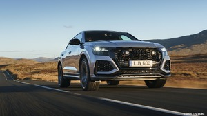 2020 Audi RS Q8 (UK-Spec)