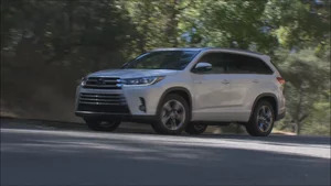 Overview: 2017 Toyota Highlander Hybrid Limited Platinum